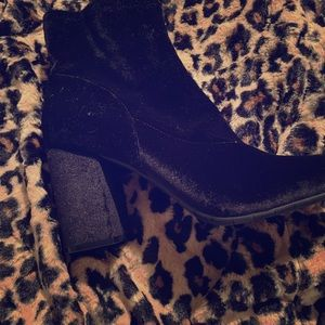 Black Kenneth Cole ankle boot